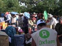 Flood affected communities receiving assistance from Oxfam. Photo: Soleak Seang/Oxfam America