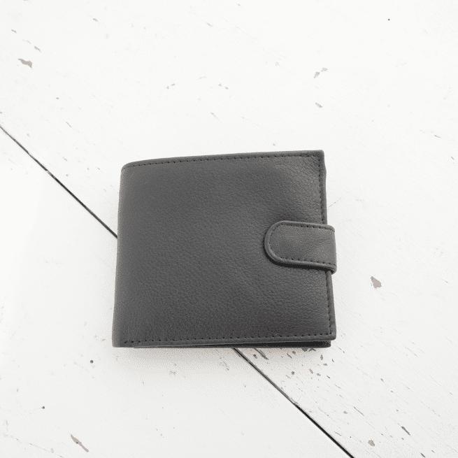 Oxfam Shop New Zealand leather wallet 09.22.9210