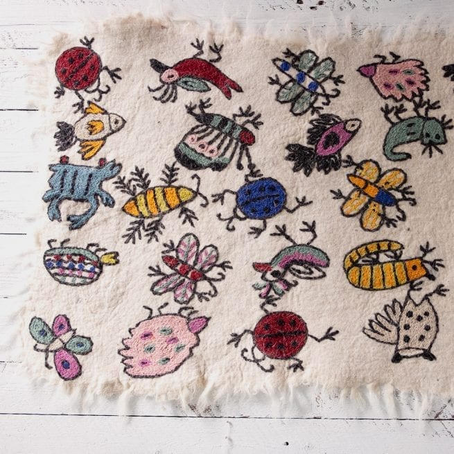 insects-and-animals-numdha-rug