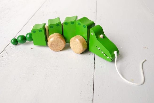 crocodile-pull-along-oxfam-nz