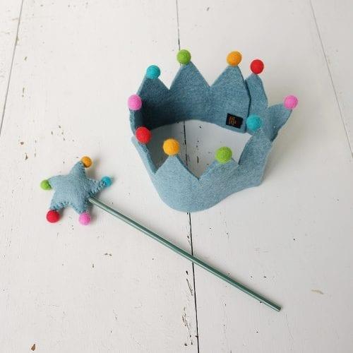 felt-crown-and-wand-dress-up-set