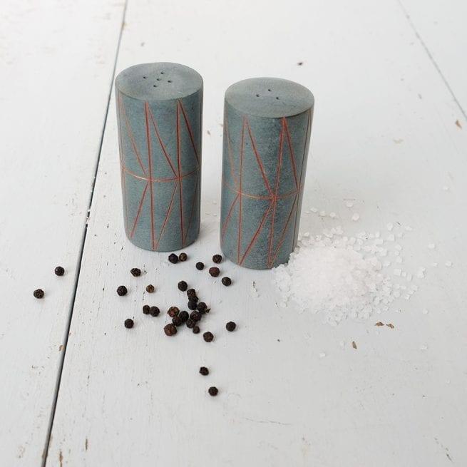 stone-salt-pepper-set