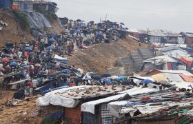 Cyclone threatens Cox's Bazar
